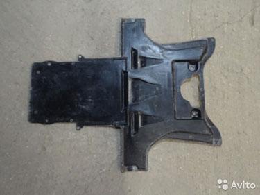 Бмв М5 Е39 брызговик мкпп защита
