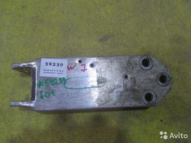59239 Кронштейн усилителя передний правый BMW 5er