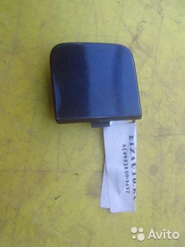 64034 Заглушка буксировочного крюка бампера задняя