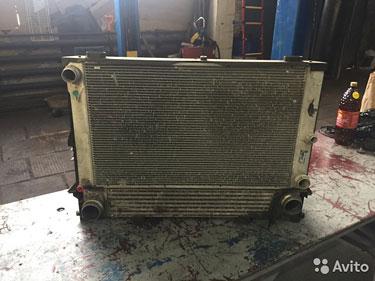 BMW 5 E60 Радиатор двигателя и корпус
